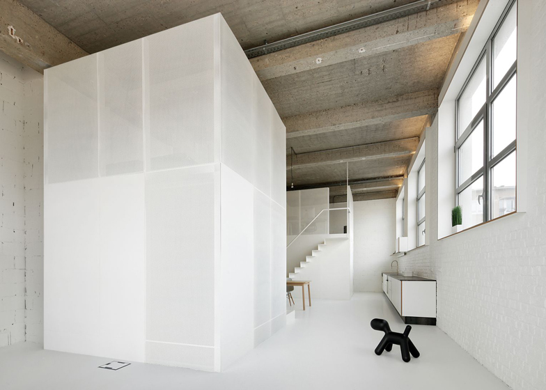 Loft-in-Brussels-by-adn-architectures_dezeen_ss_18