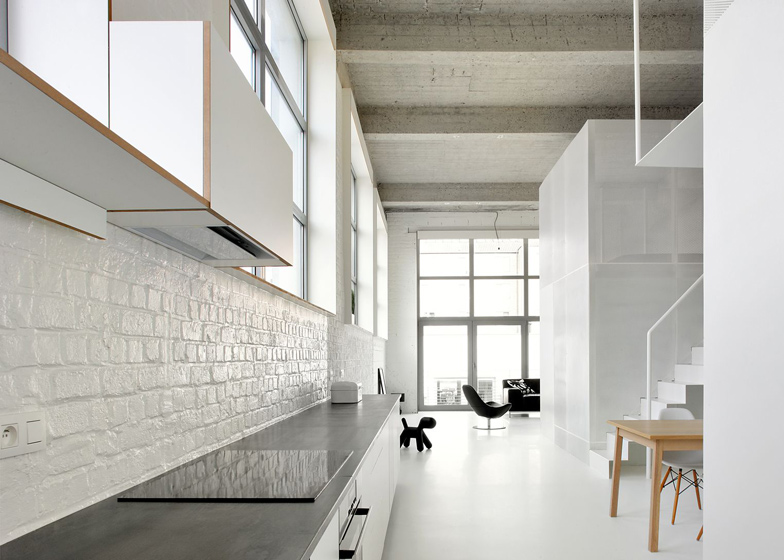 Loft-in-Brussels-by-adn-architectures_dezeen_ss_19