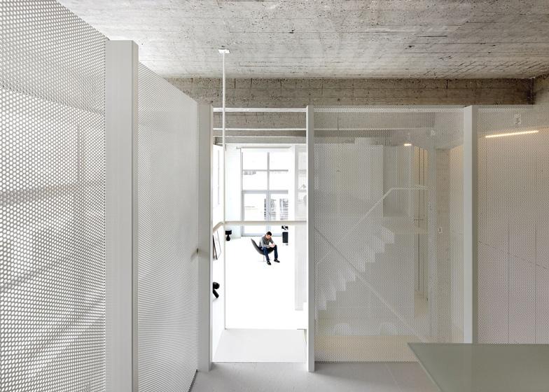 Loft-in-Brussels-by-adn-architectures_dezeen_ss_21