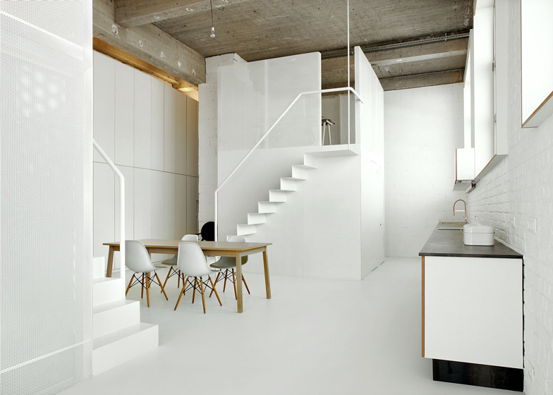 Loft-in-Brussels-by-adn-architectures_dezeen_ss_3