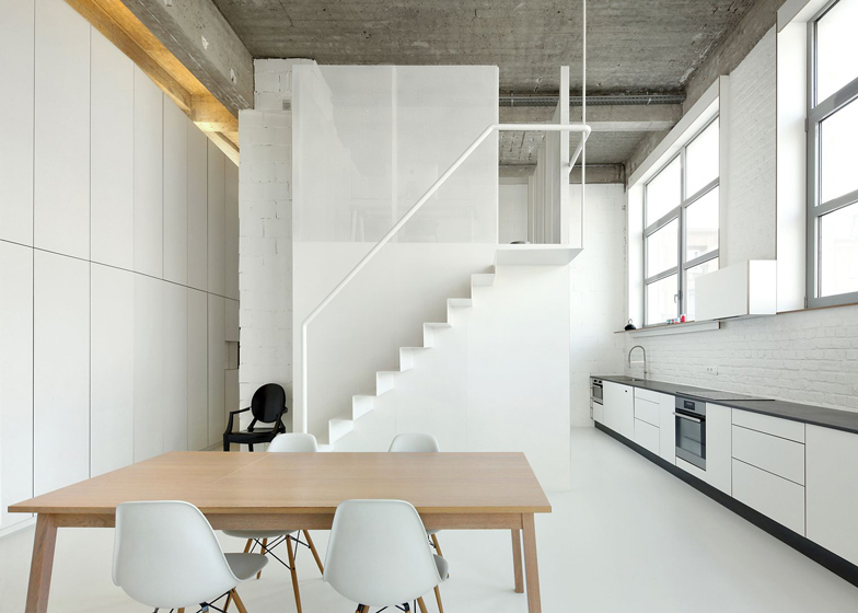 Loft-in-Brussels-by-adn-architectures_dezeen_ss_8